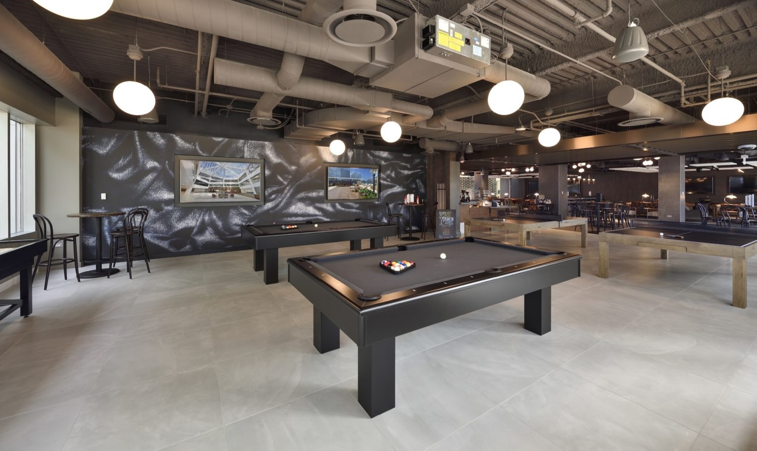 President's Plaza lounge | Product Manager Saas |